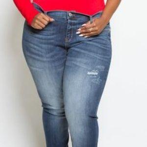 Denim - Plus Size Washed Boyfriend Denim Jeans